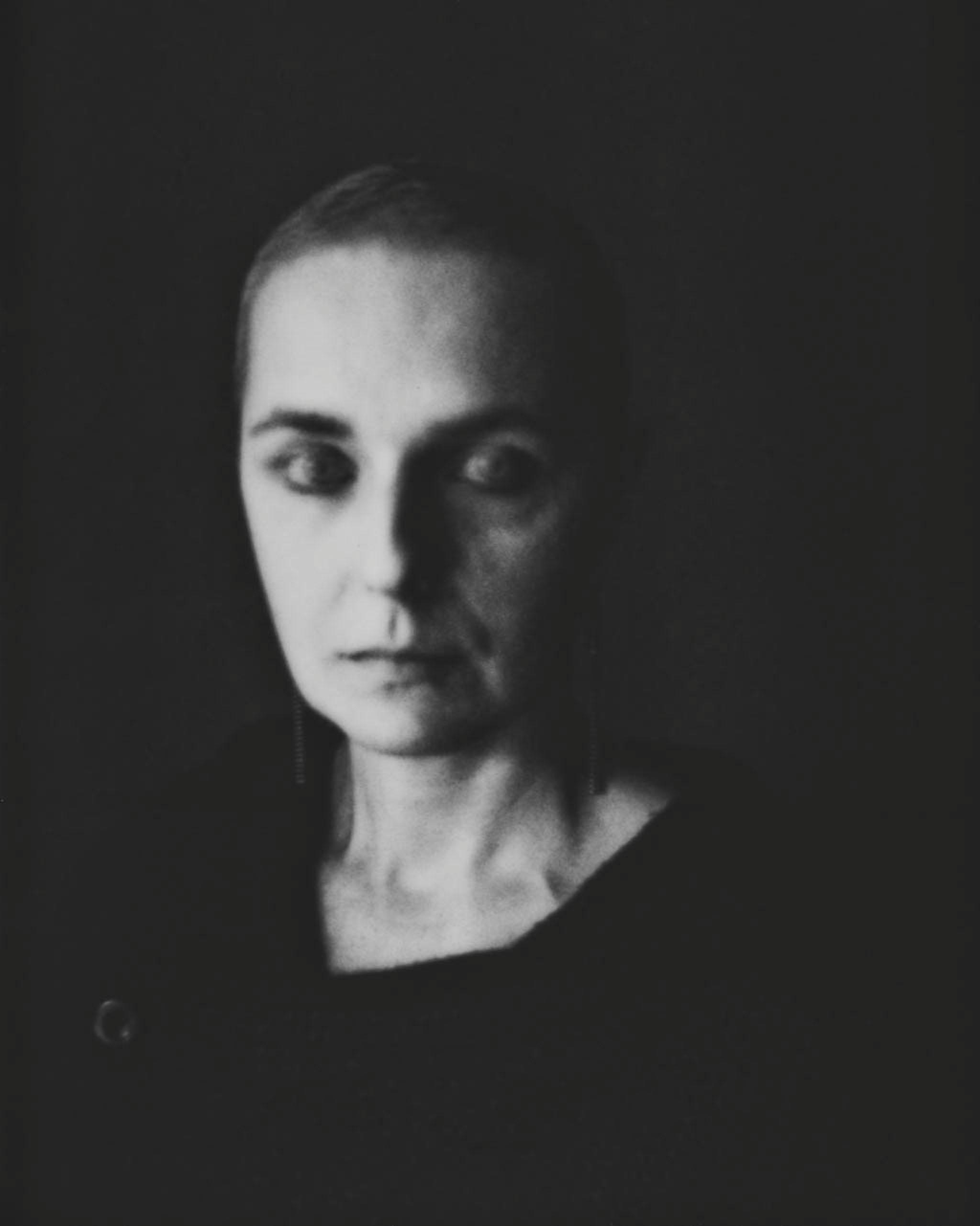 HUECKEL MAGDA ARTIST