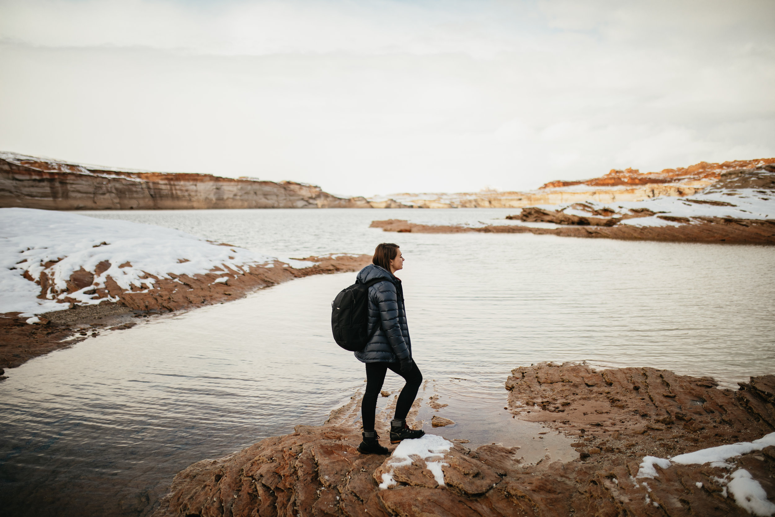 Hiking Lake Powell in winter