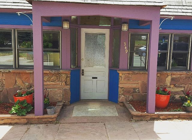 Every front door needs a little splash of RED! #lyonsinn #lyonscolorado