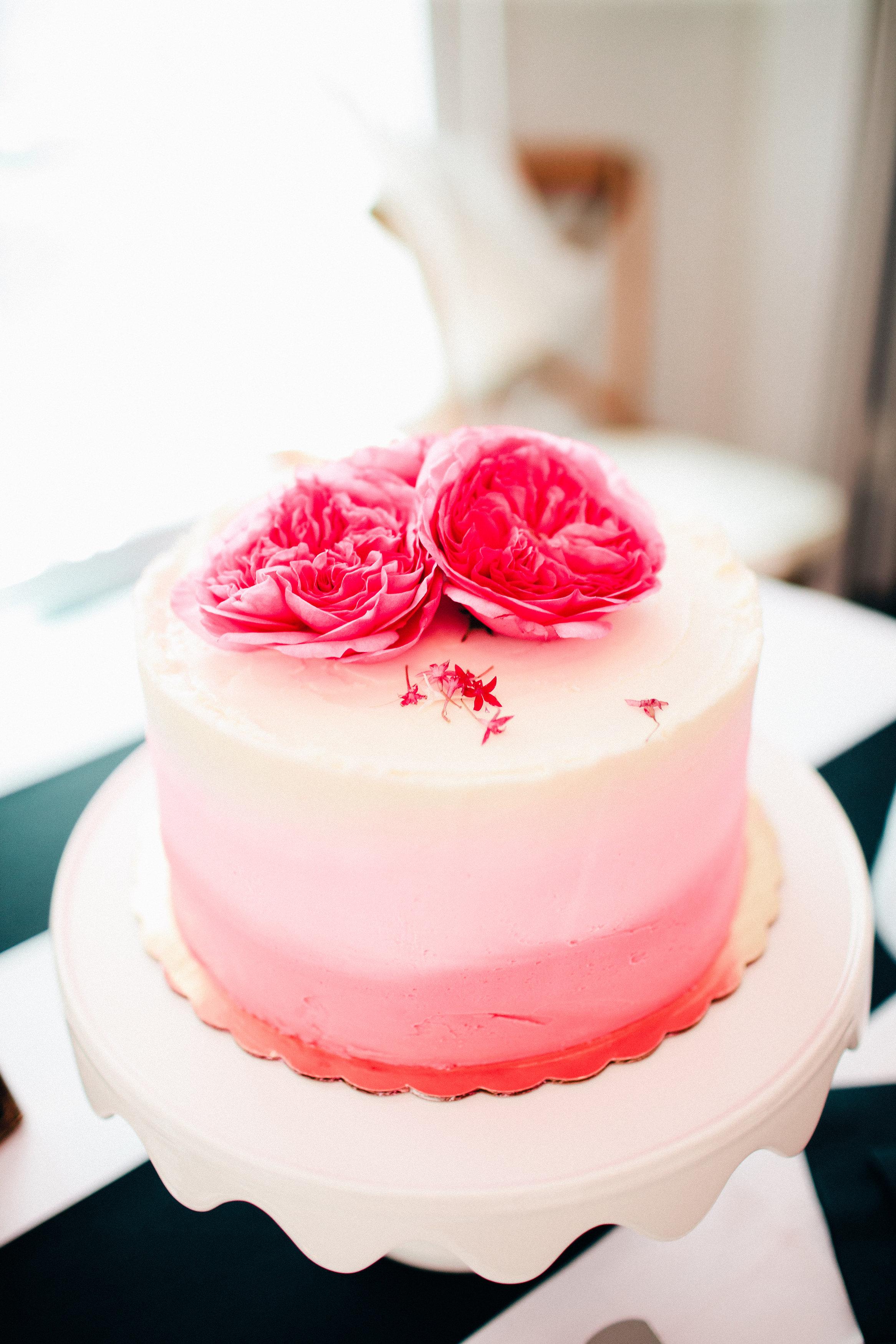 The Helpful Host - Houston Event Planner - Bridal Shower - champagne cake.jpg