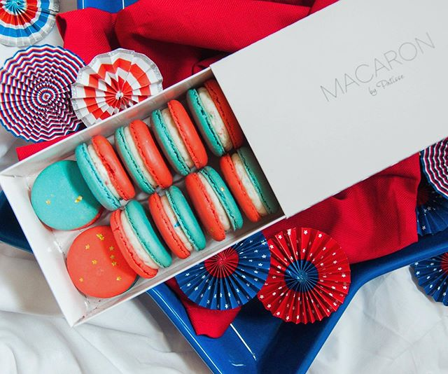 We had the best day creating content and with the Fourth of July right around the corner we can't keep everything a secret. Like these perfect red, white and blue macarons! @macaronbypatisse is always our favorite and these birthday cake flavor macarons won't disappoint you can't grab them until next Wednesday and Thursday, but we know the wait will be worth it! Plus, everyone at your 4th festivities will thank you for bringing these! #TheHelpfulHost #MacaronbyPatisse #Macarons #FourthofJuly #JulyFourth #RedWhiteandBlue #livelifecolorfully #celebrateeverything #Event #HoustonEvents #thatsdarling #abmlifeissweet #abmholidayspirit #ighouston #dscolor #thehappynow #baking #cooking #f52grams #foodie #foodstagram  #marthabakes #kingarthurflour #yahoofood #instafood #todayfood #huffposttaste #thekitchn #bhgfood #foodie