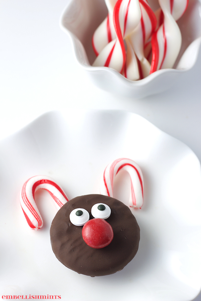Oreo Rudolph Cookies from  Embellishmints