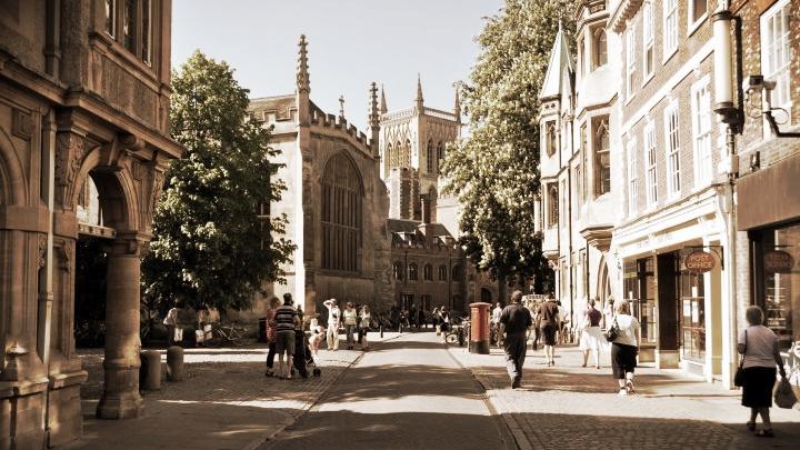 (Cambridge, UK -2011) Ideologie International founded in Cambridge University
