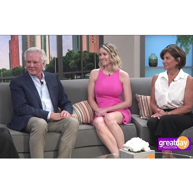 I love watching @drericabartlett do big things! Check out her adventure in making the world a beautiful place! 💕 @yarishmd @greatdayhouston —