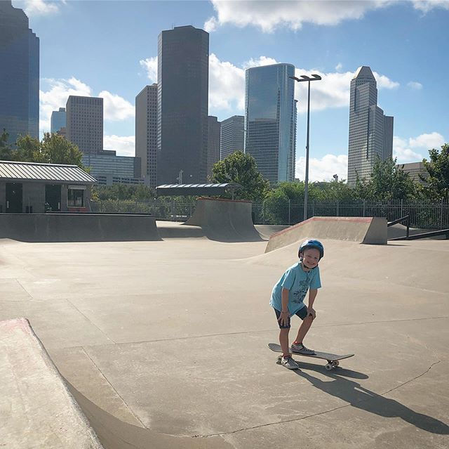 Today was a good day 🥰 Dylan is excited about a blood drive event at his favorite skate park - November 2 from 3-6 with entertainment and it's FREE! See y'all there 🛹  _____ #houston #skateboard #skater #rock #giveback #htown #buffalobayoupark #skatepark #skatemom #houstonskyline #citylife #houstonevents #blood #giveblood