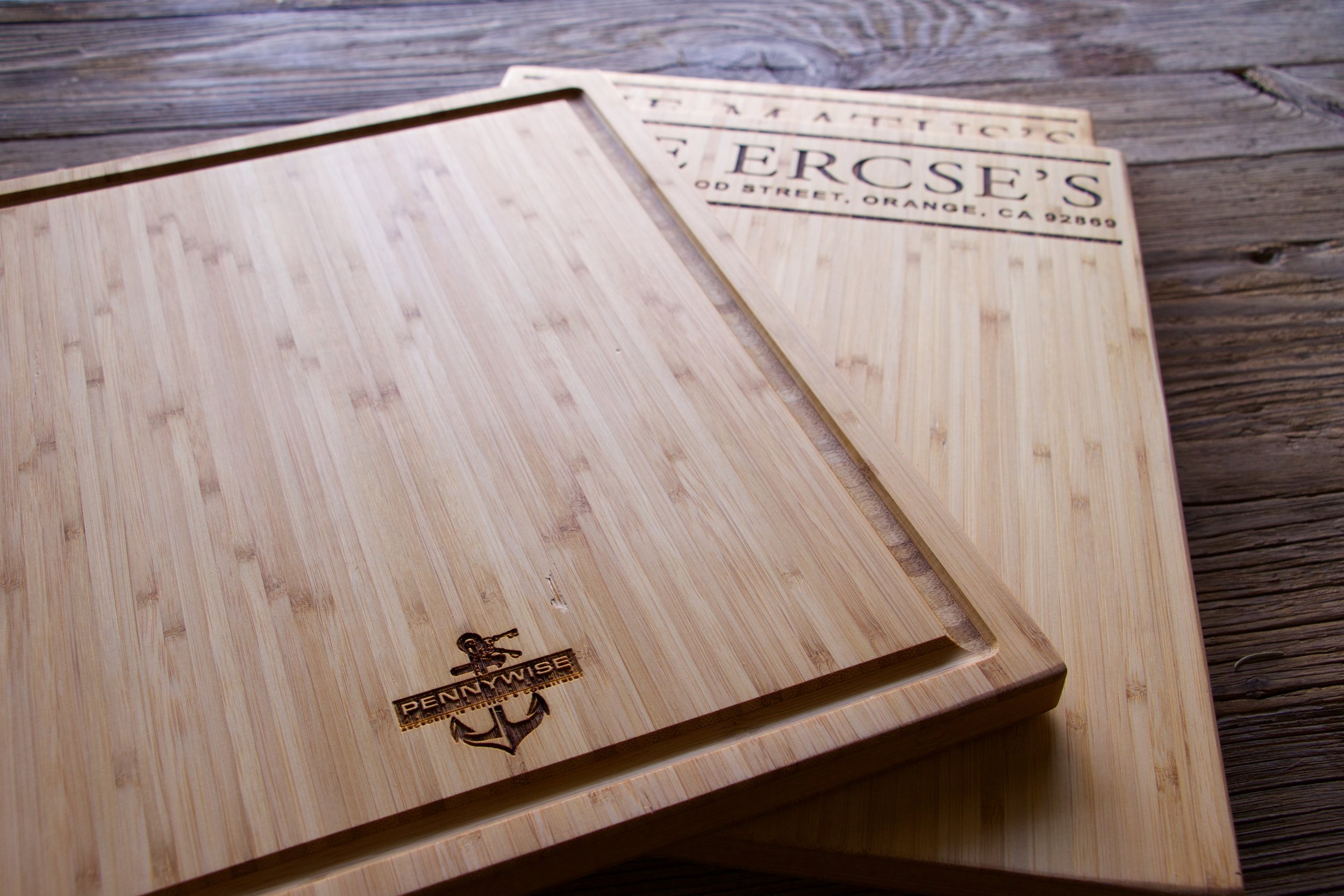 Closing Cutting Board with Juice Groove