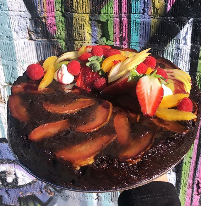 An upside down pear chocolate cake with an orange zest caramel. Shout out to @michaeljamesbakes for this killer recipe.
