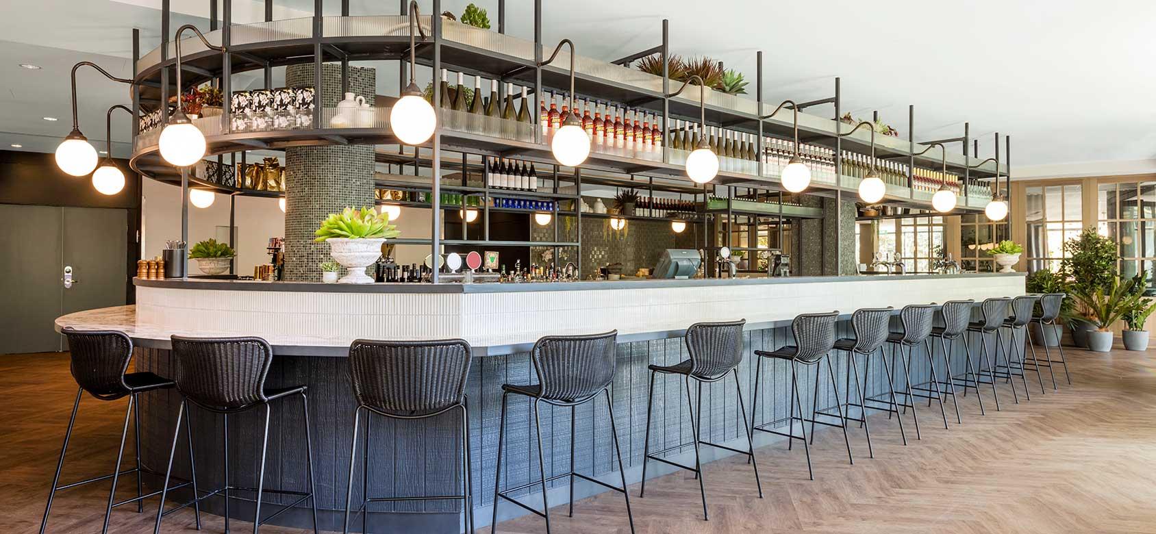vibe-hotel-rushcutters-sydney-storehouse-on-the-park-bar-03-2016.jpg