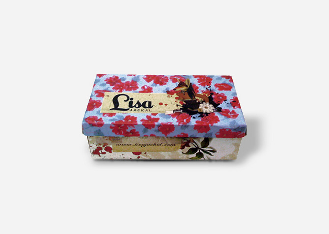 Packaging / Shoe Box.