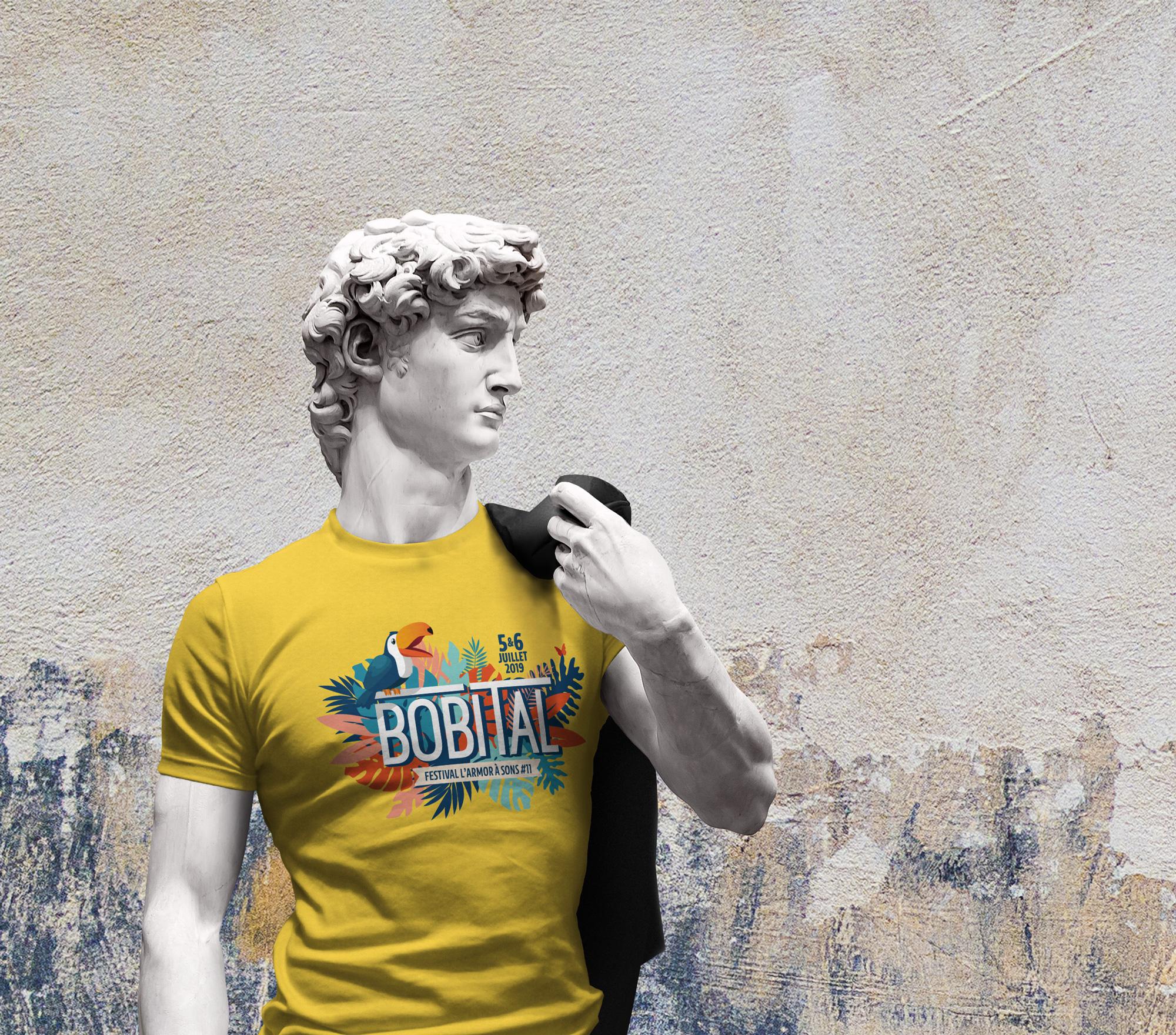 Exemple de déclinaison merchandising sur un t-shirt. Au total plus de 5 créations entre les t-shirts festivaliers et les t-shirts bénévoles
