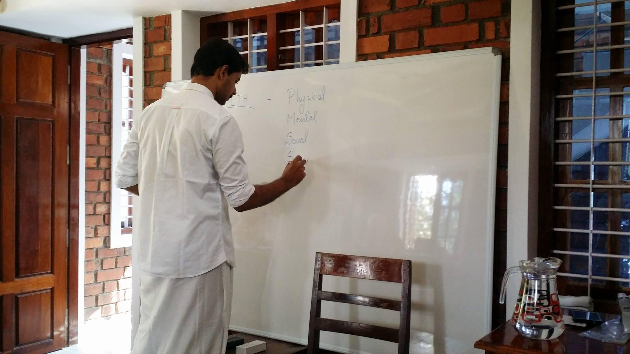 program yoga teacher training india