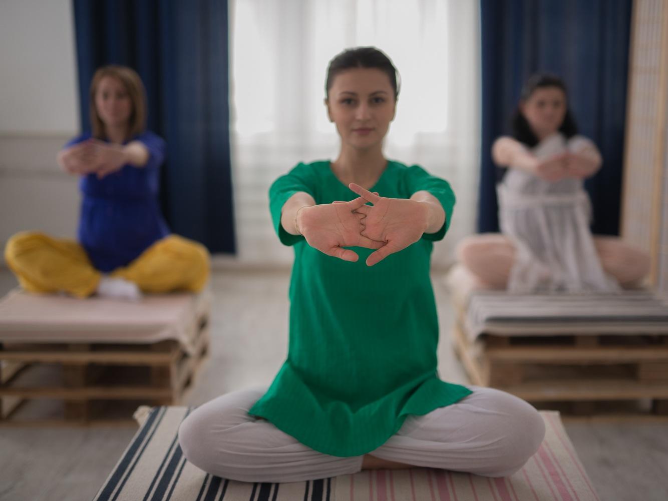 practica de yoga pentru gravide