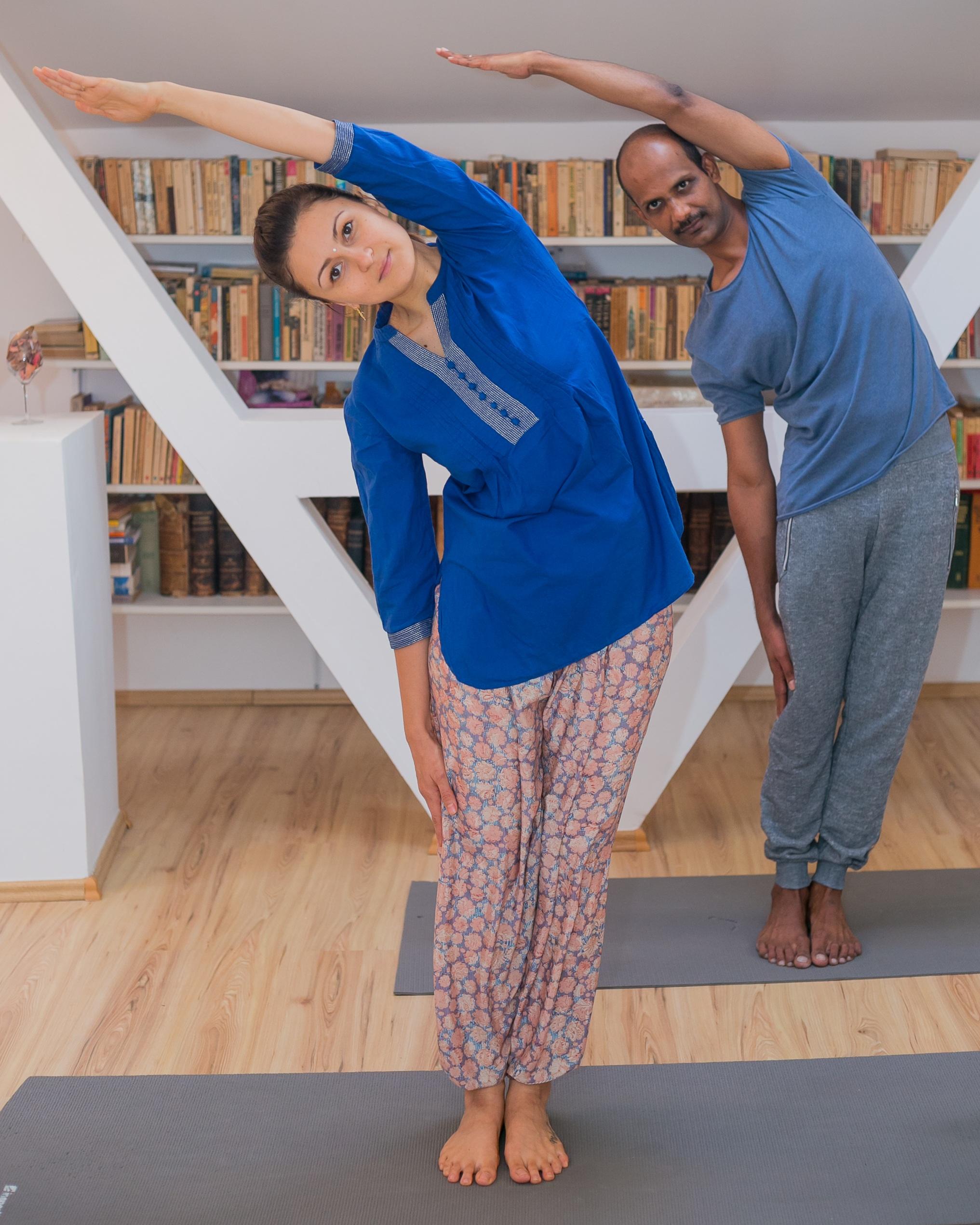 pozitii yoga pentru acasa