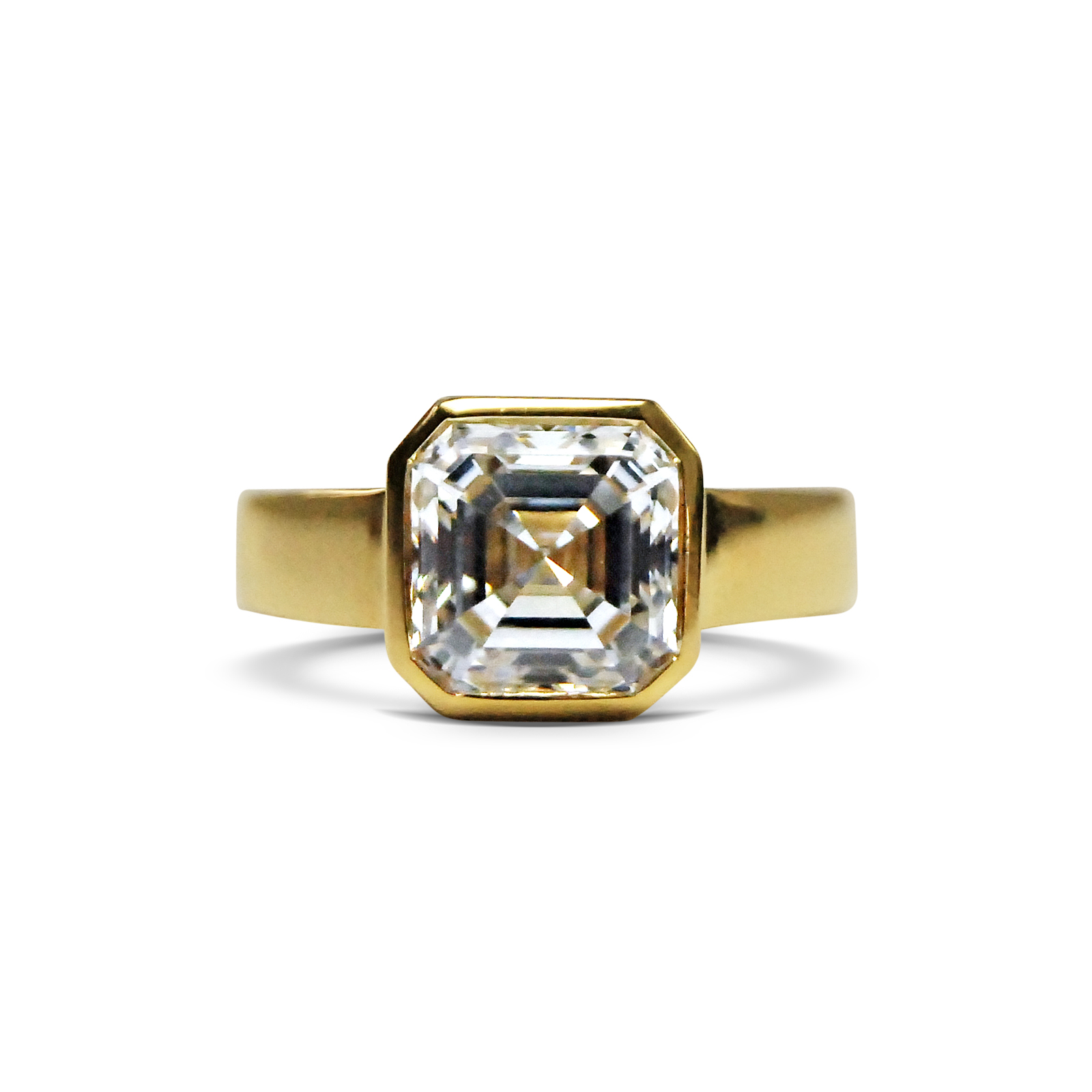 Asscher-cut-diamond-and-yellow-gold-ring.jpg