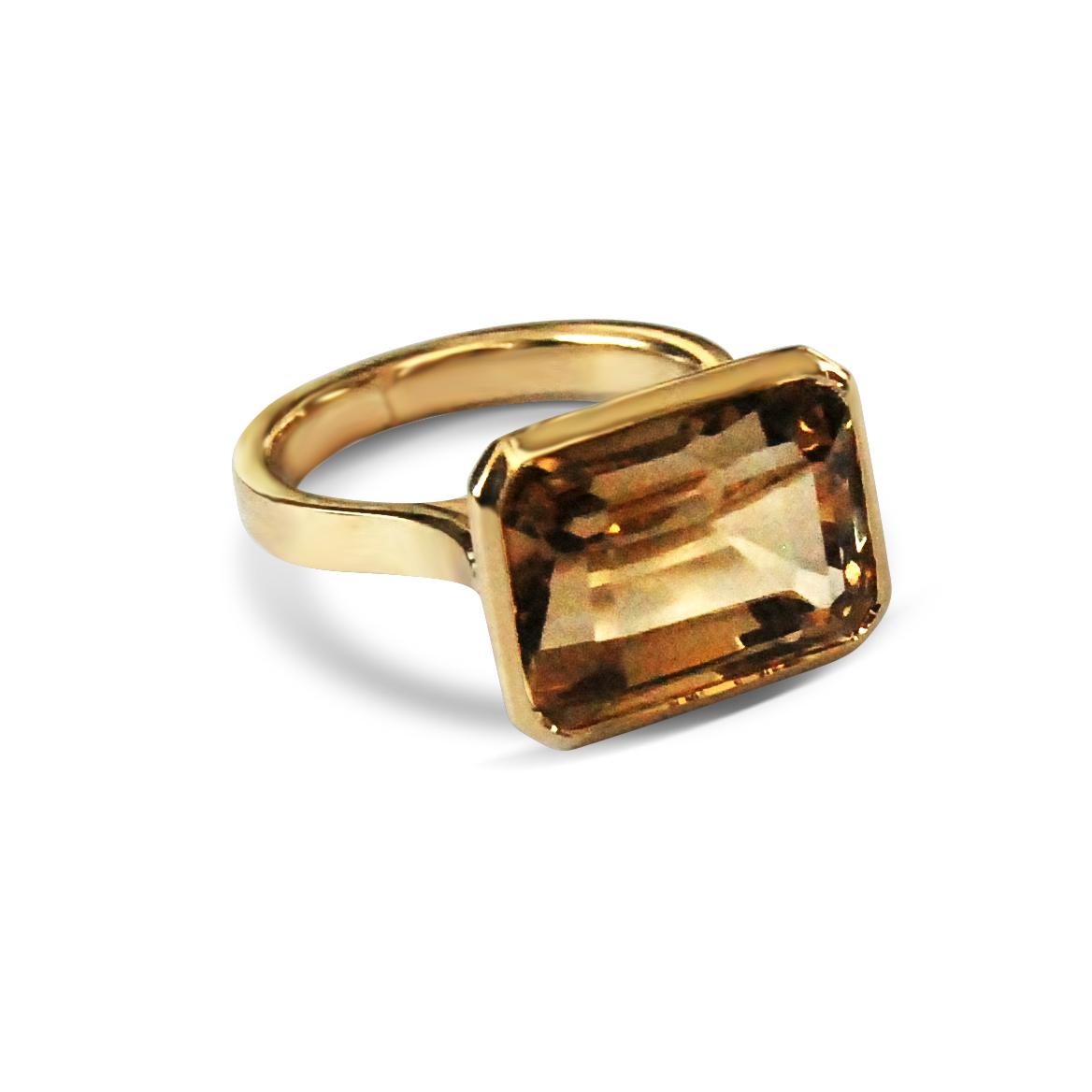 Smoky-quartz-and-yellow-gold-ring.jpg