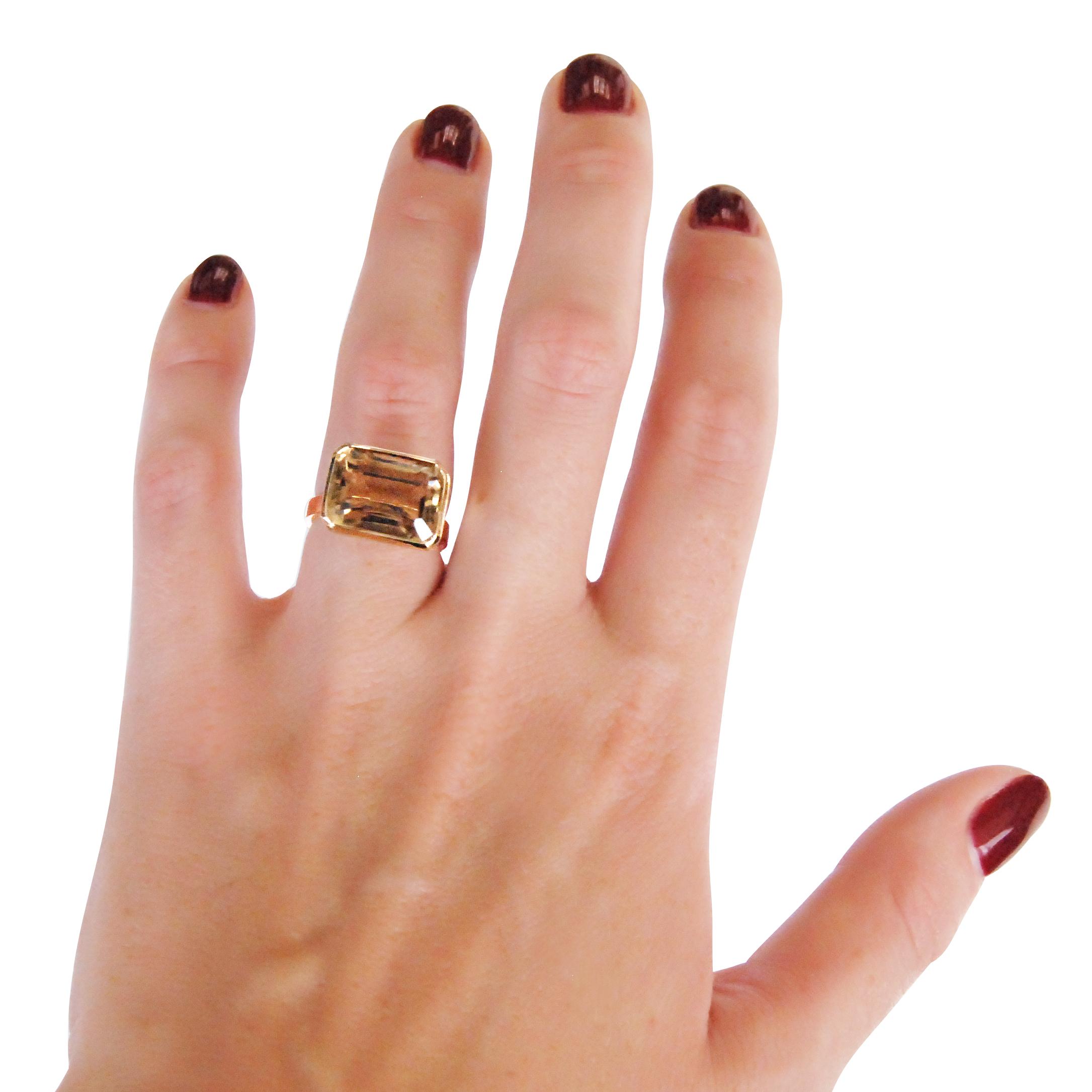 Smoky-quartz-and-yellow-gold-ring-1.jpg