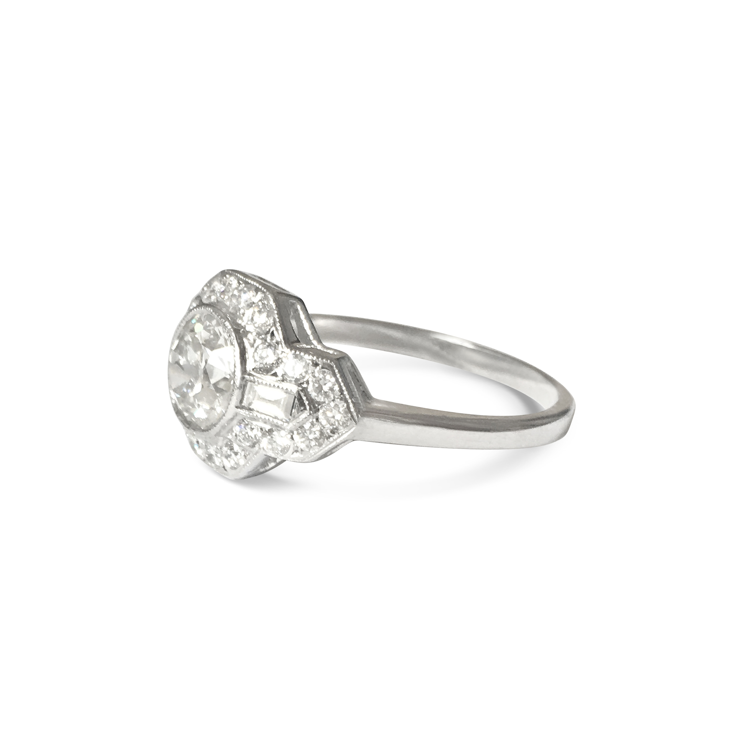 transitional & baguette-cut diamond ring side