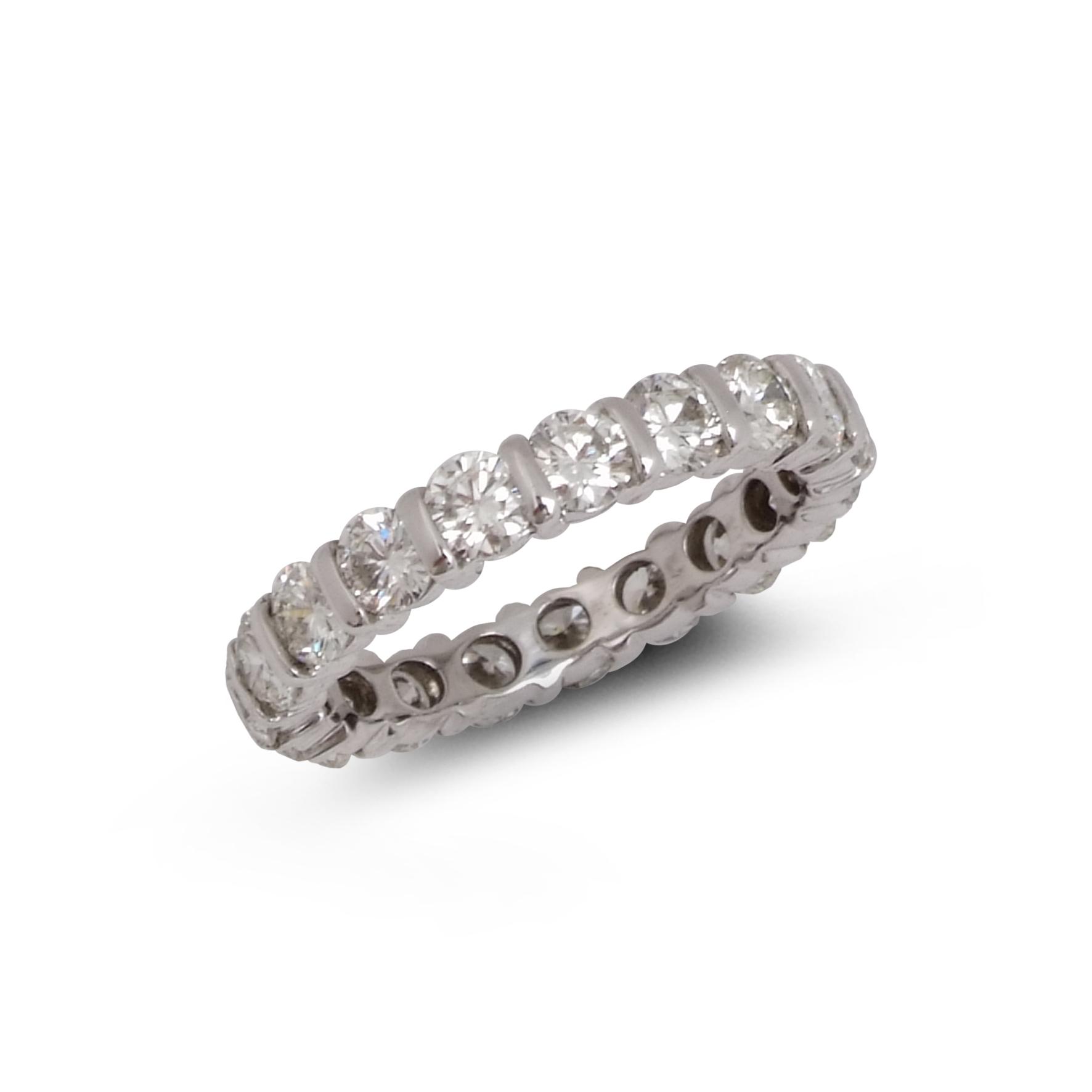 Brilliant-Cut Diamond full enternity ring