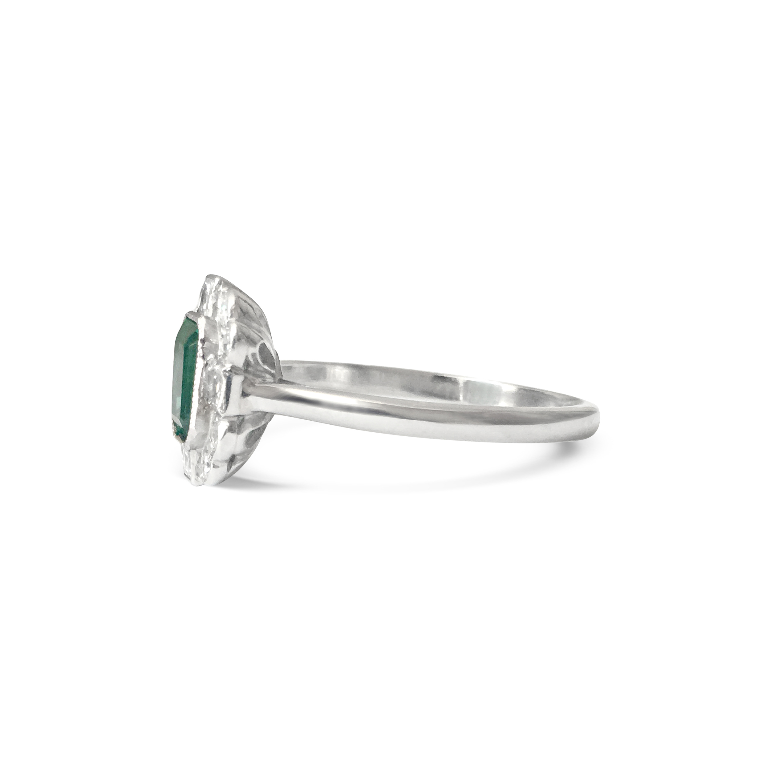 emerald and diamond four points ring side