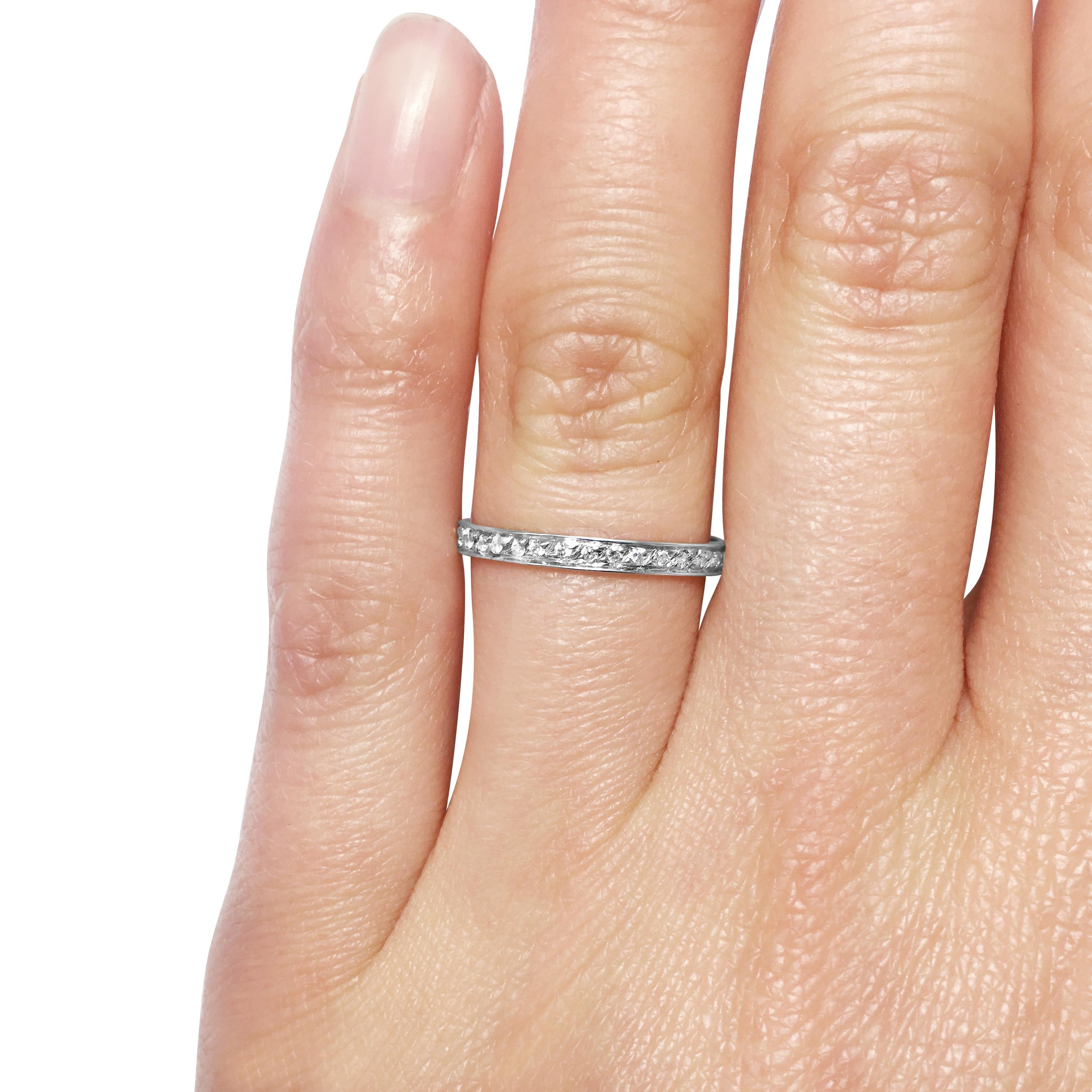 diamond-thread-and grain-set-wedding ring-in-18ct-white-gold-SC1-2.jpg