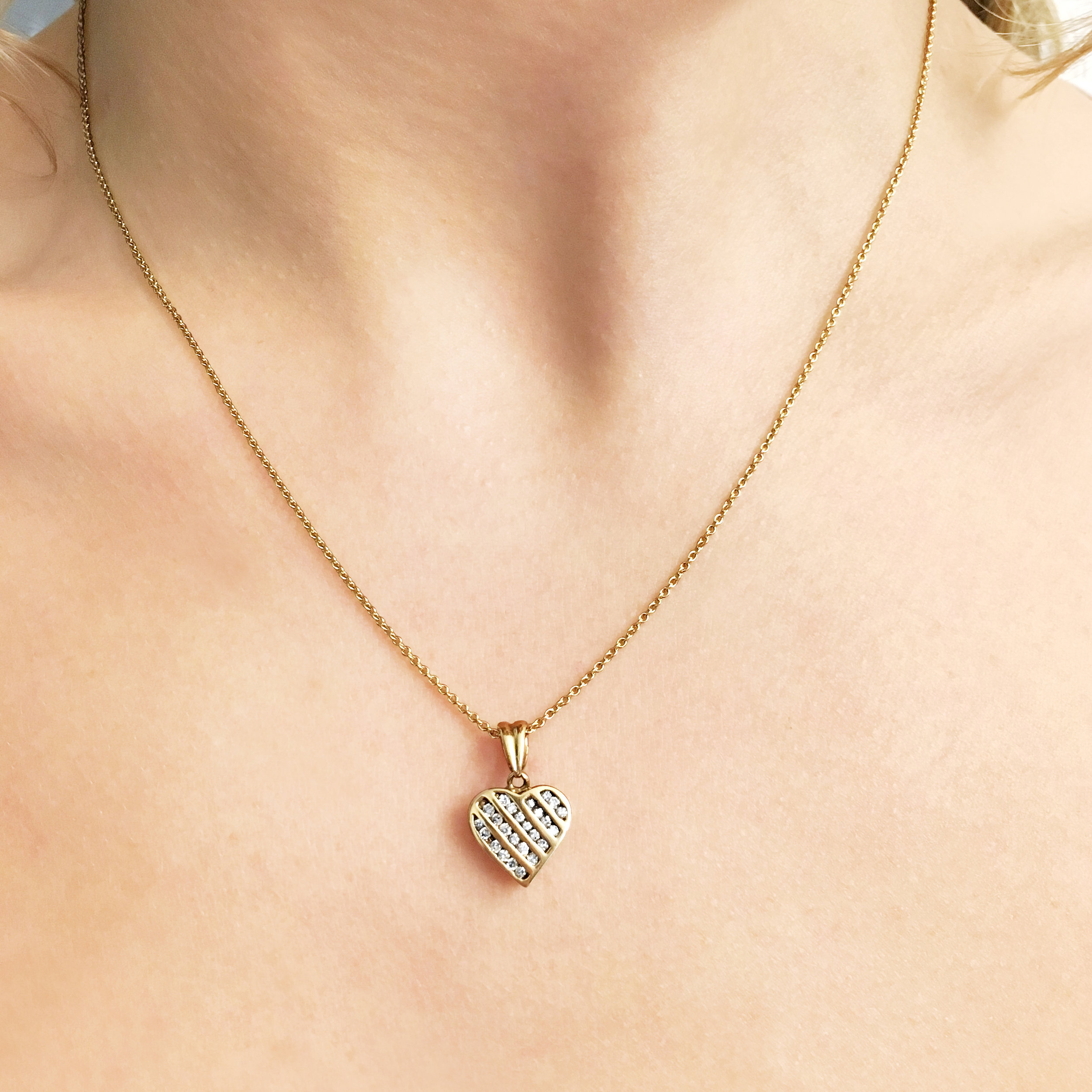diamond-9ct-yellow-gold-heart-pendant-2.jpg