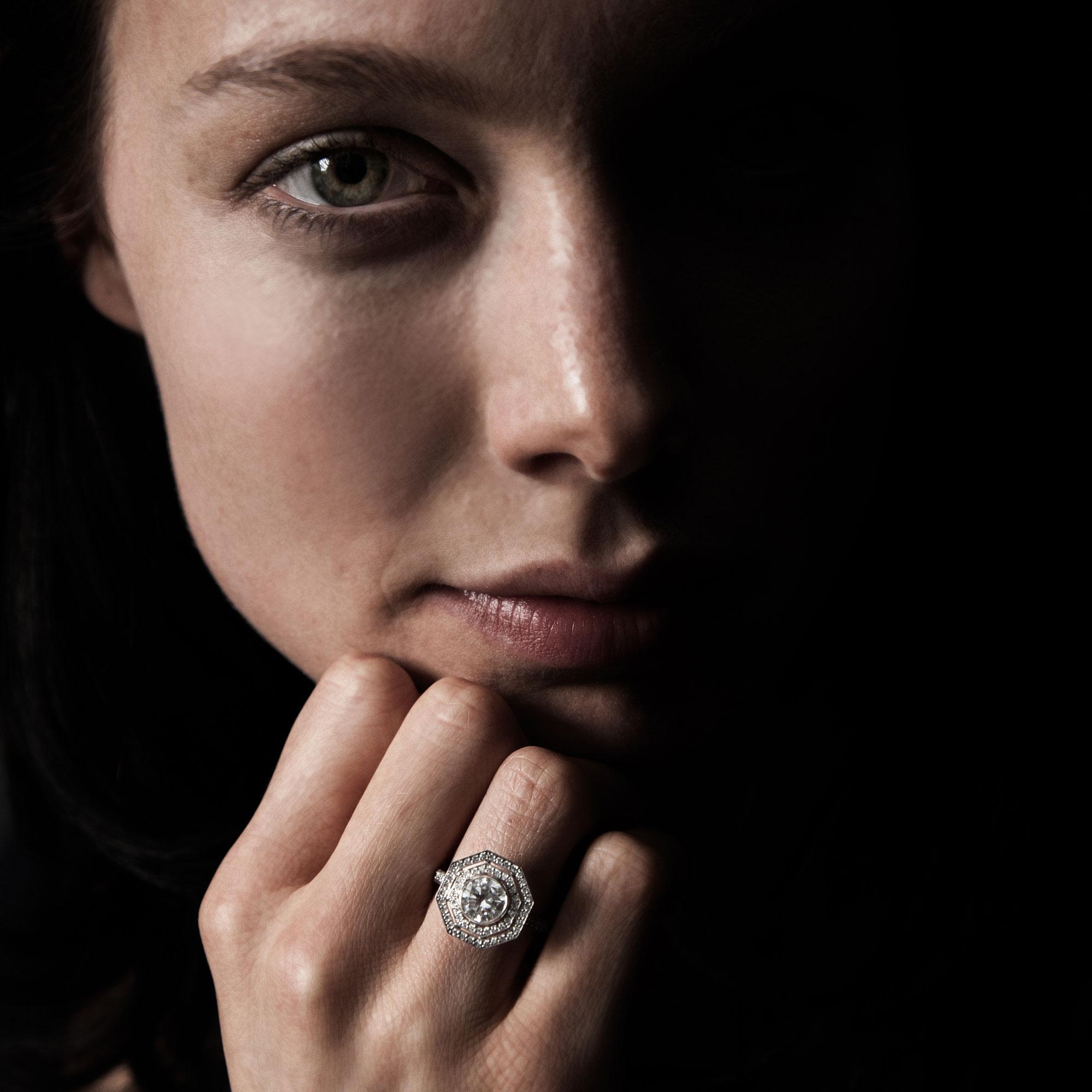 Octagonal diamond target ring model face