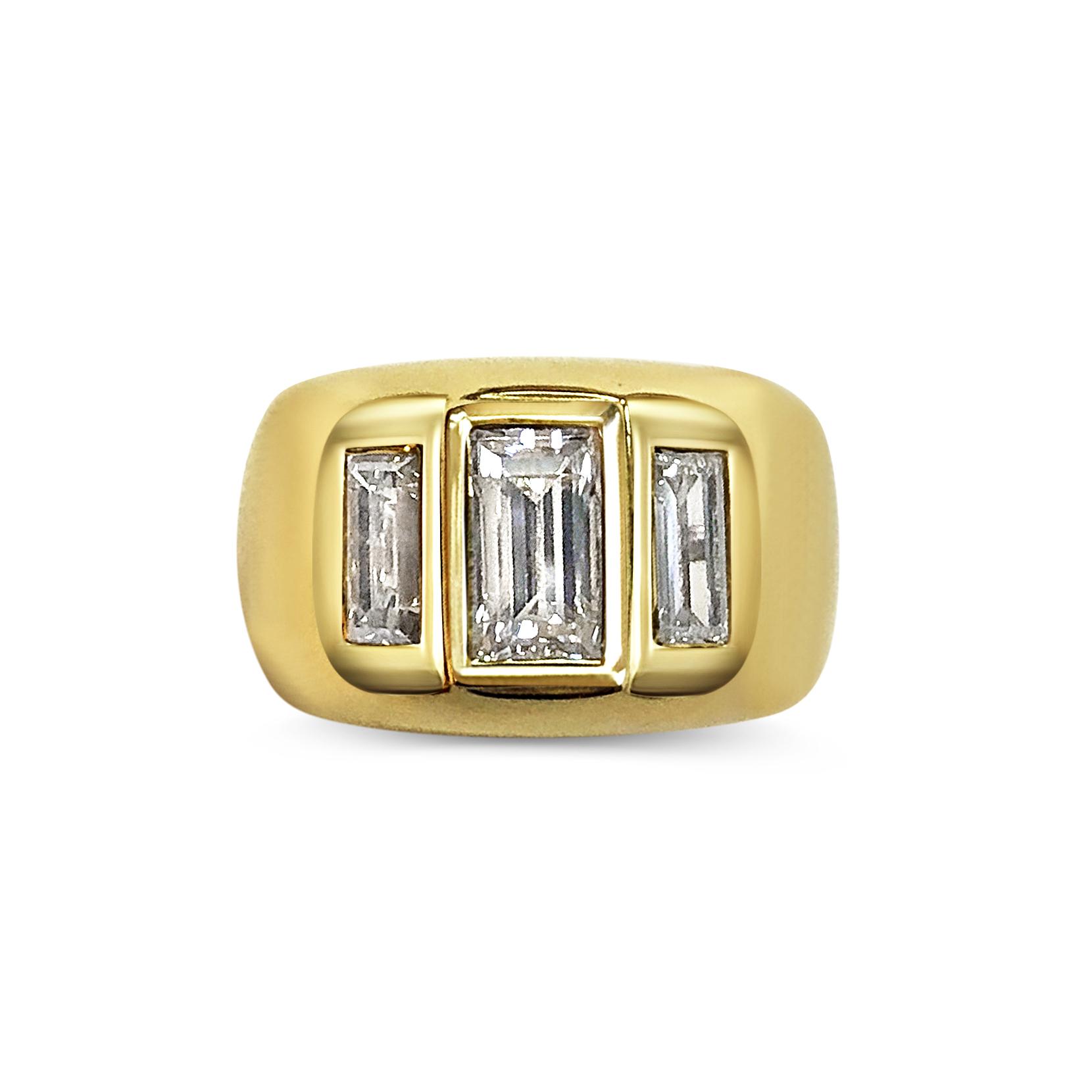 Baguette-cut diamond ring top view