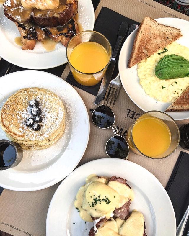 beverage-bread-breakfast-2230540.jpg