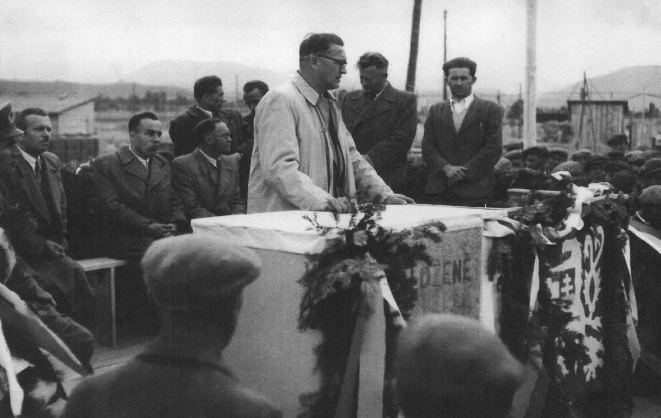 1950 (2).jpg