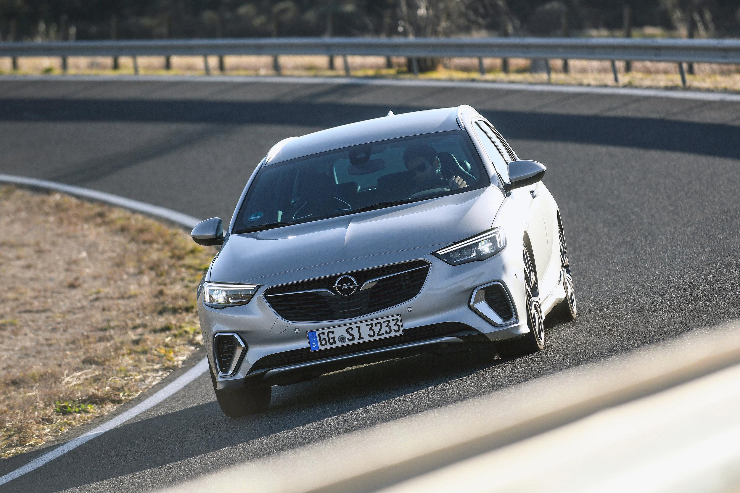 Opel-Insignia-GSi-501854.jpg