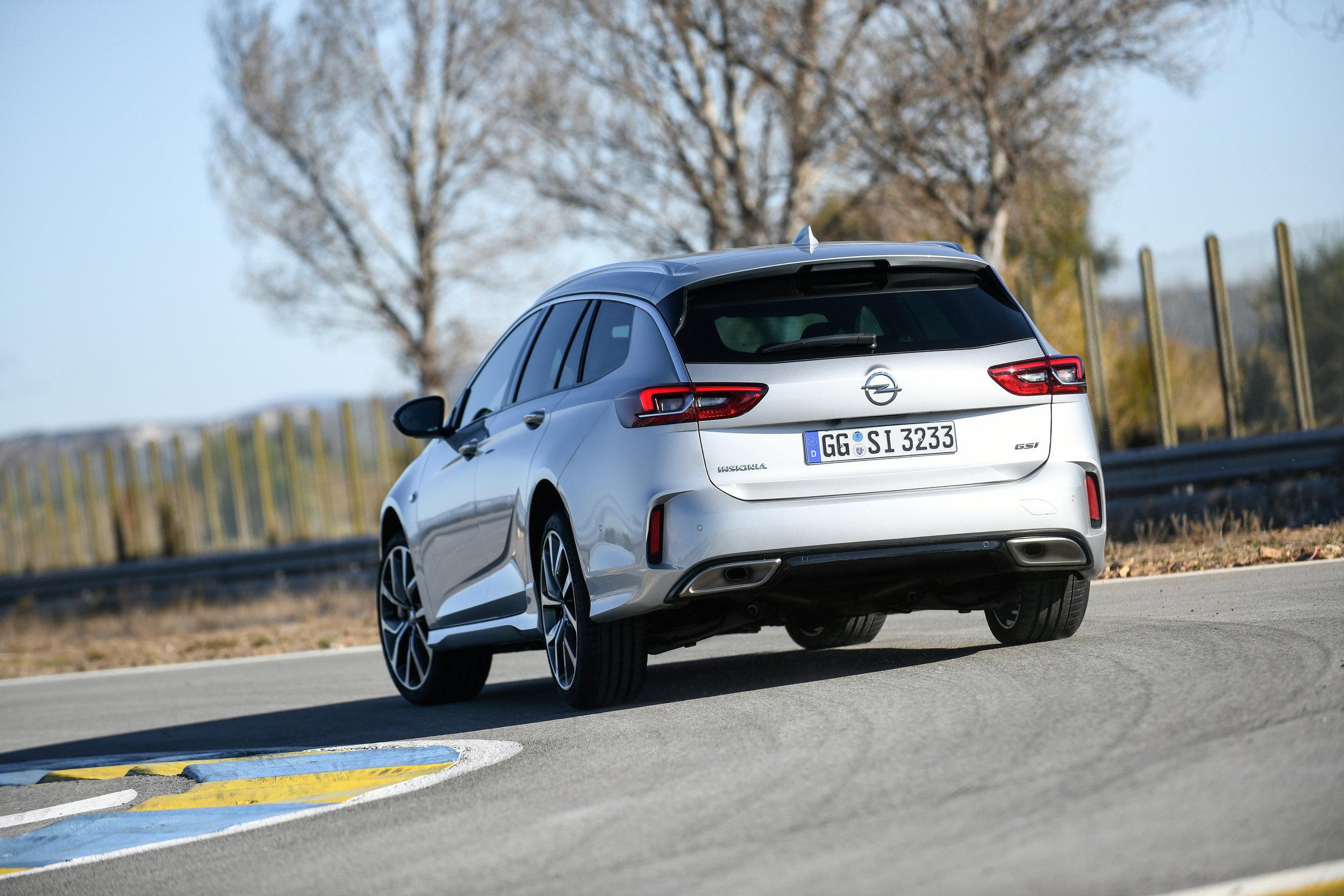 Opel-Insignia-GSi-501859.jpg