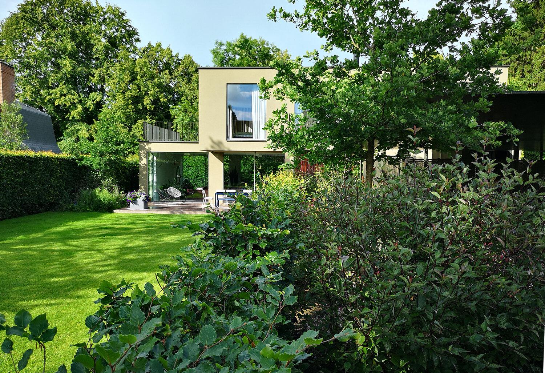 tuinarchitect_steyaert_brussel_beersel_waterspiegel_vijver_koelreuteria