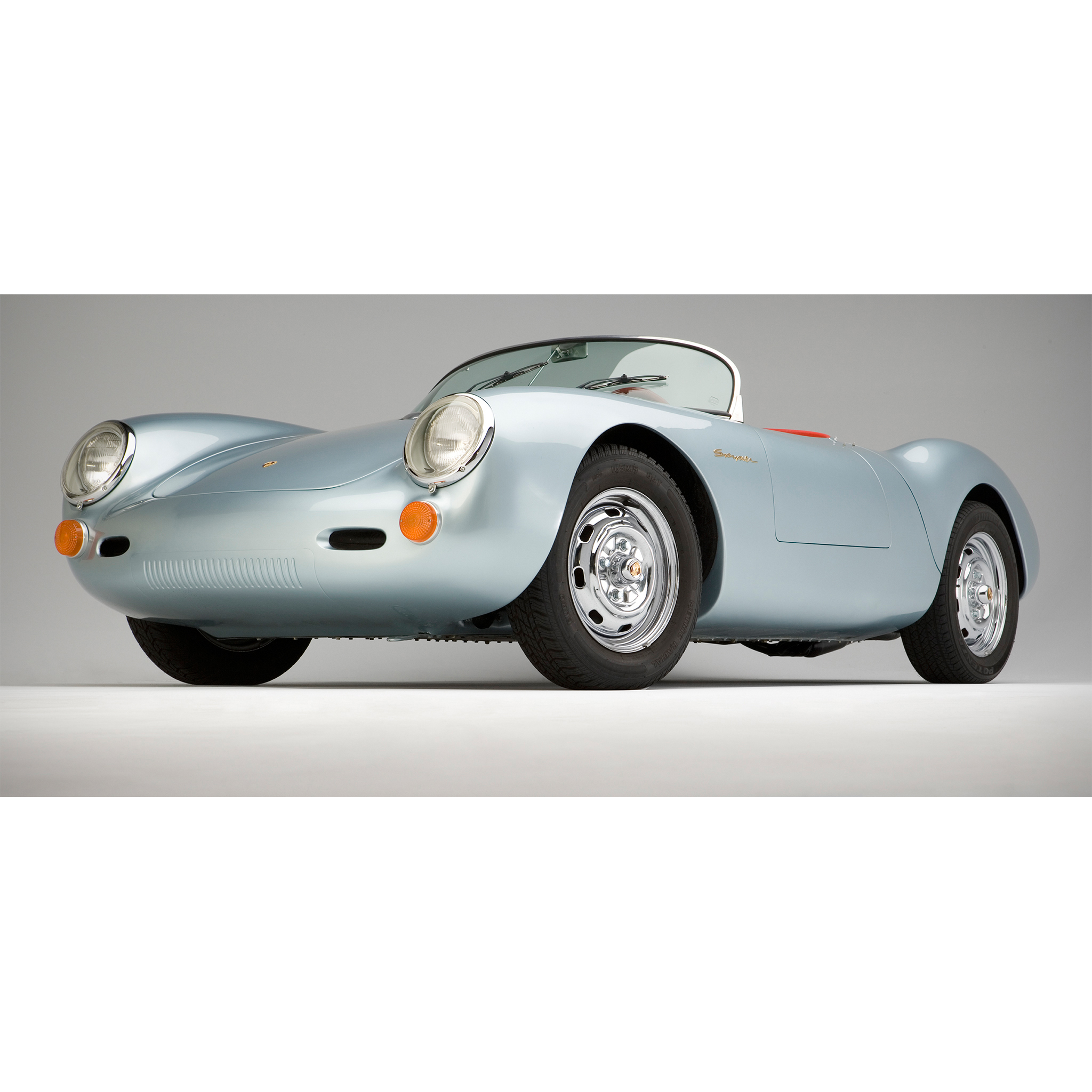 Photograph of a Porsche 550 Spyder by Craig Anderson Photography shot in studio