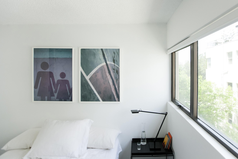 1412-InterLodge-MR-Print-009-guest bedroom.jpg
