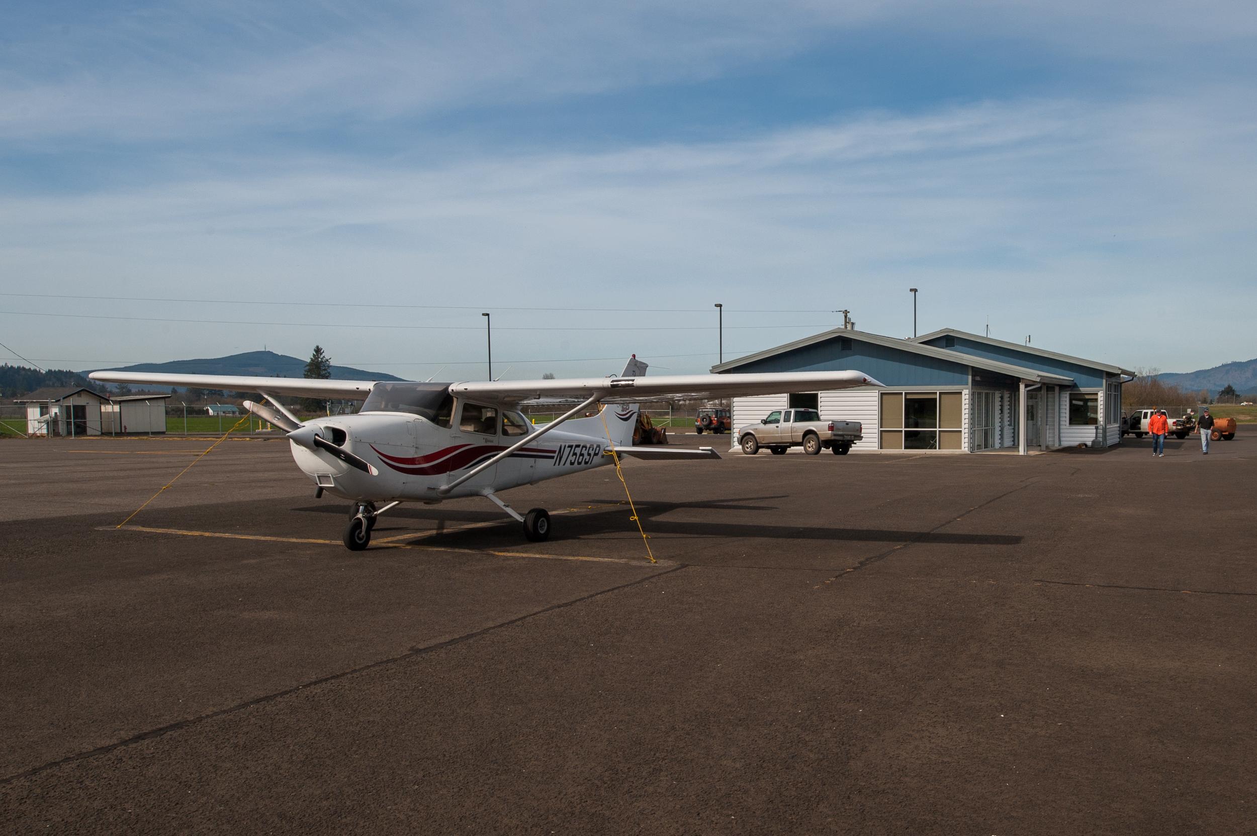 Port of Tillamook-airport-1.jpg