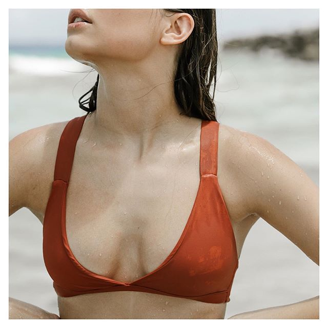 We feel you summer, bring on those long beach days || The Kailua-Kona Top in Sunset || #atollswim