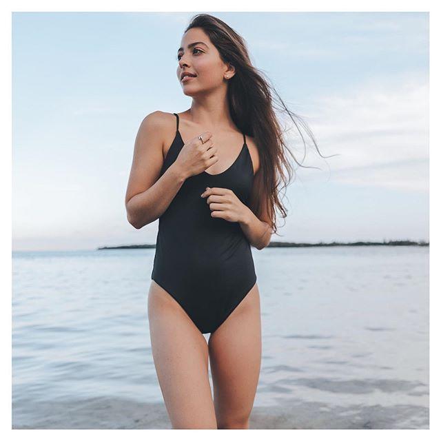 Swimsuit wardrobe staple: the Todos Santos One Piece || #atollswim