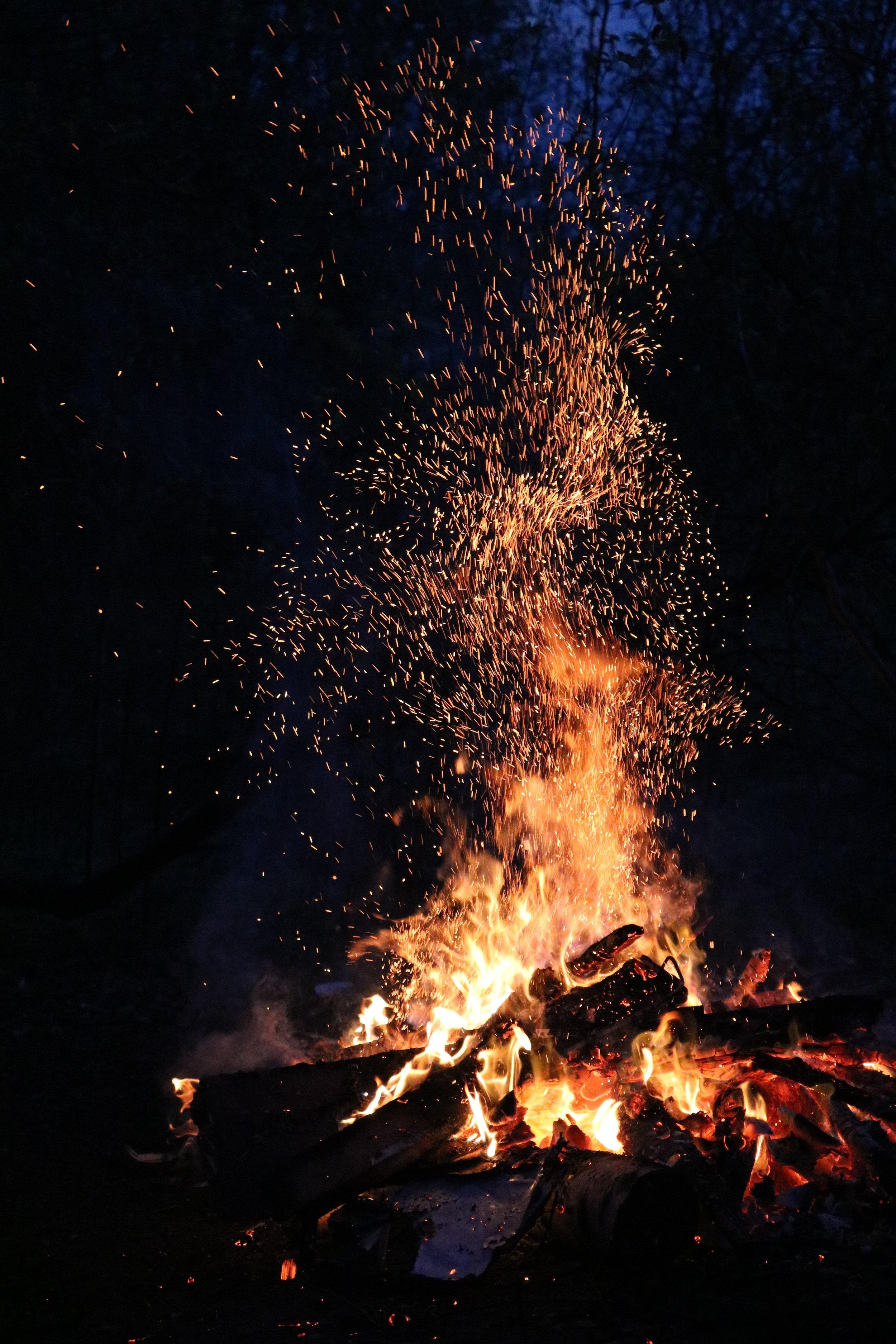 ash-blaze-bonfire-266436.jpg