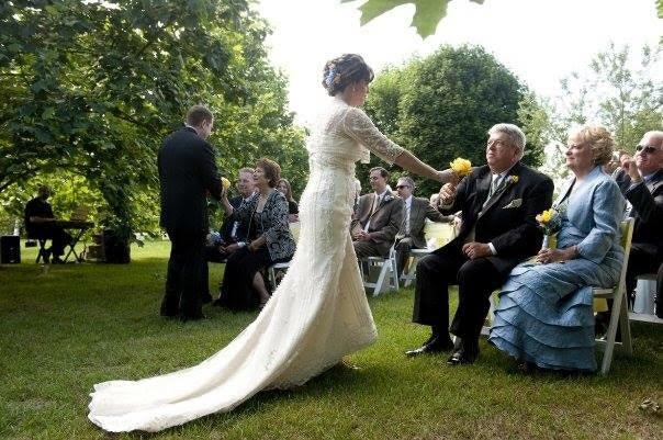 outdoor-pittsburgh-wedding-9.jpg