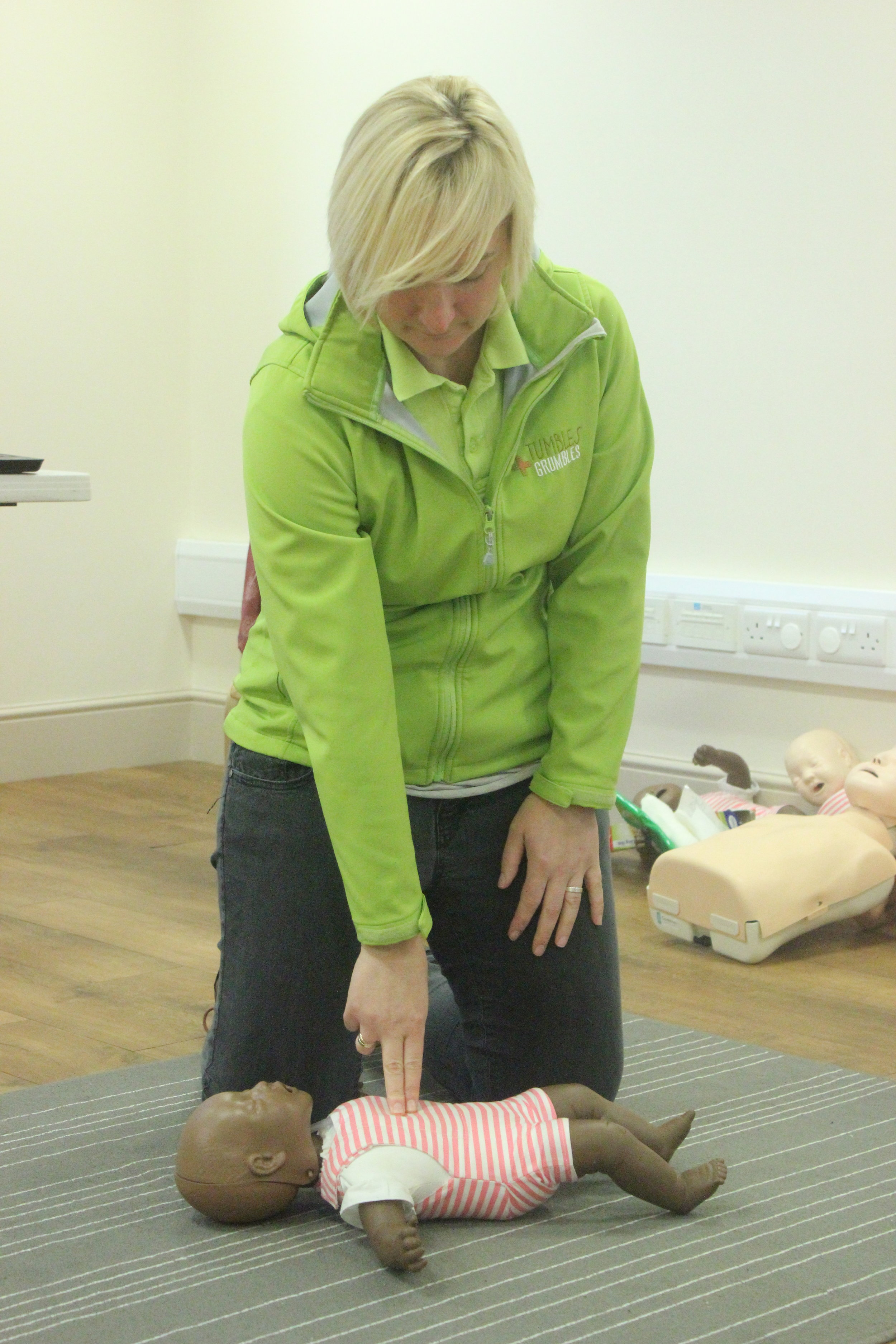 Caroline from Tumbles and Grumbles demonstrates CPR