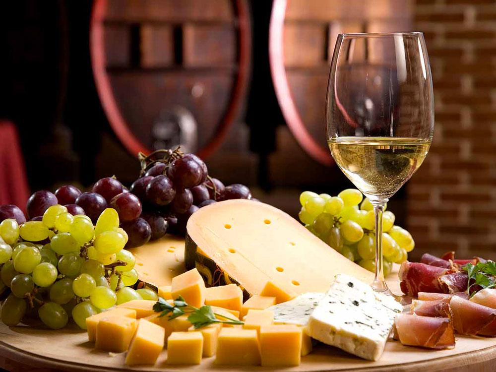 Cheese-chocolate-and-wine.2018.jpg