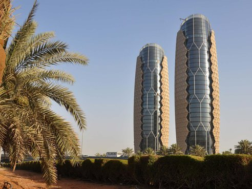 new-headquarters-al-bahar-towers-abu-dhabi-uae-8-682-jpeg-492x0_q85_crop-smart.jpg