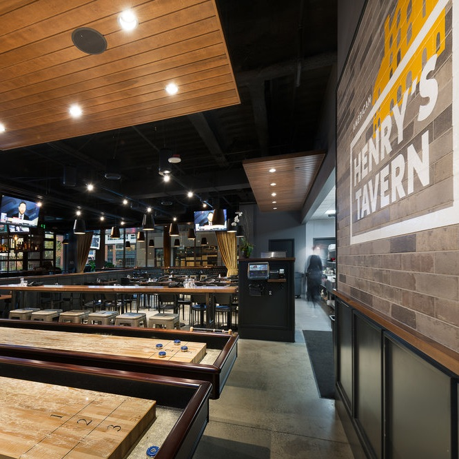 Henry's Tavern, South Lake Union