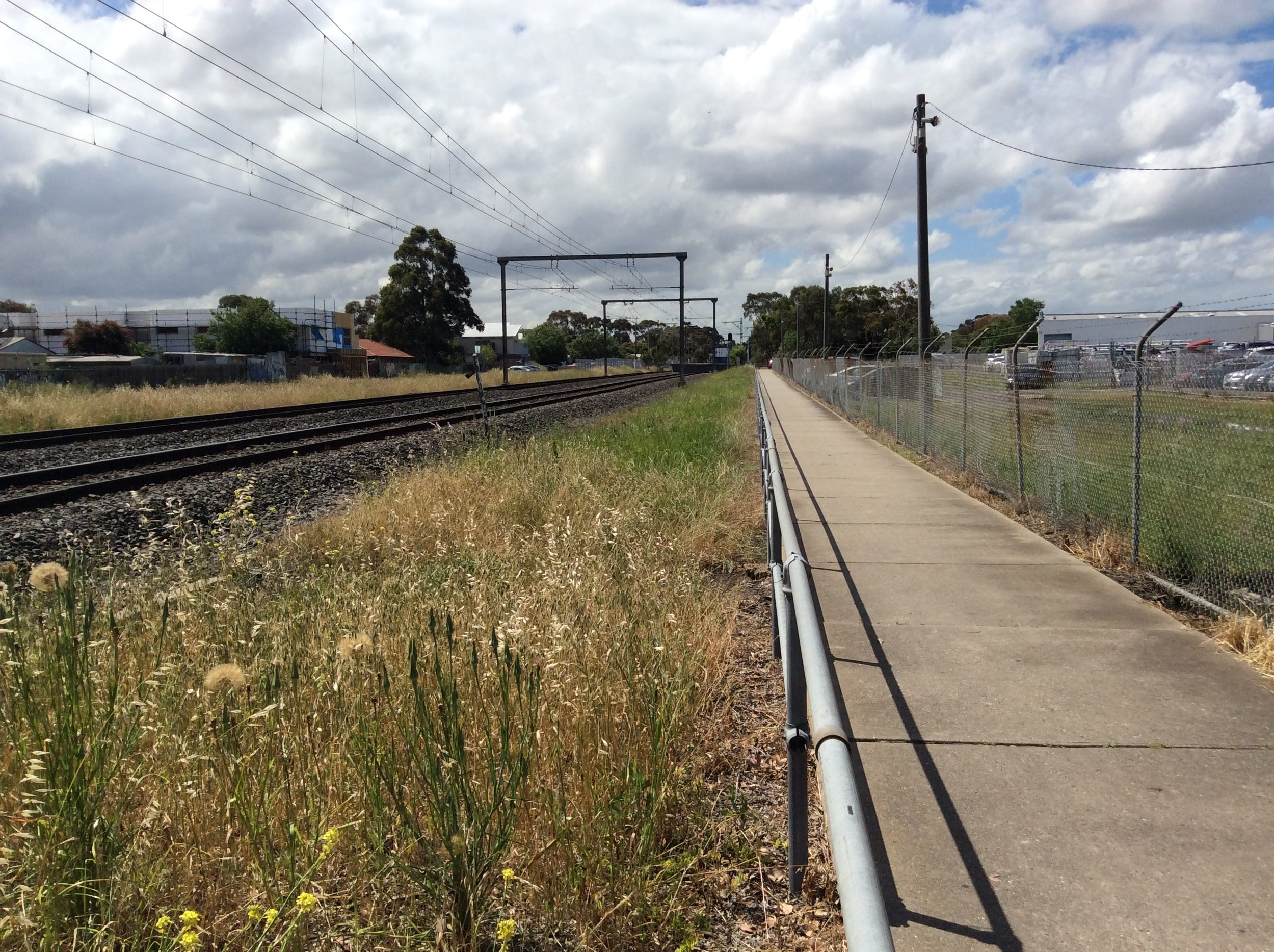 Looking north from near Ararat Ave to Merlynston station /Plaisted Street.