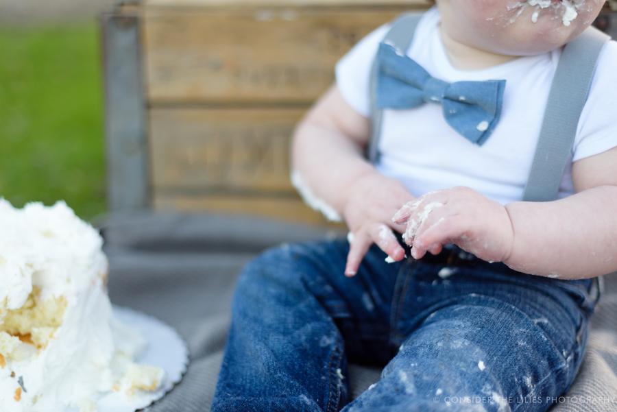 one-year-old-cake-smash-session-north-texas-allen-frisco-mckinney-plano-richardson-dallas-19