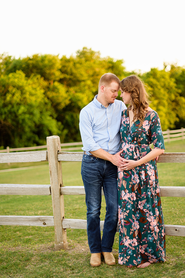 maternity-pregnancy-reveal-photo-session-photography-dallas-plano-north-texas-richardson-allen-mckinney-frisco-addison-web-B-6.jpg