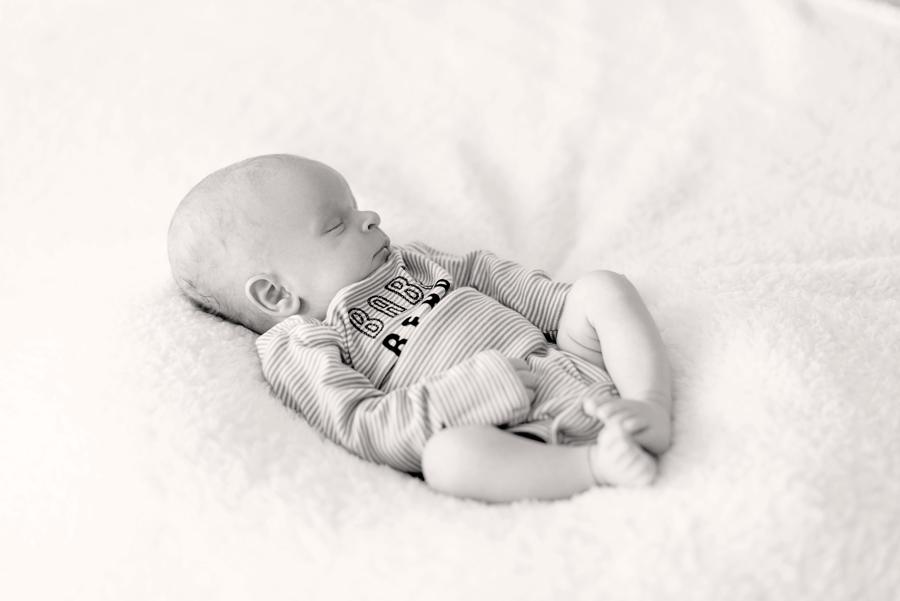north-dallas-newborn-photography-allen-texas-plano-celina-richardson-mckinney-dfw-addison-celina-frisco-family-newborn-12-2.jpg