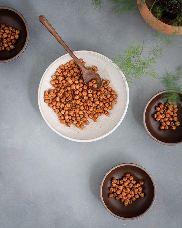 Crisp, roasted, cumin + paprika chickpeas photographed for @farmerdirectorganic. They totally satisfy that salty, crunchy snack craving and then you don't feel so bad about having that extra slice of pie. (Not that I know anything about that 😉) It's all about balance, right? . . . . . . . . . . . . . #foodphotographer #foodstylist #madisonwi #foodblogger #veganfood #veganfoodshare #veganeats #veganlifestyle #vegansofig #bestofvegan #plantbased #wholefoodsplantbased #plantbasedfood #plantbasedlife #plantpower #plantpowered #poweredbyplants #foodisfuel #nourish #lunchbreak #thenewhealthy #knowyourfarmer #slowfood #kinfolktable #visualsoflife #folkcreative