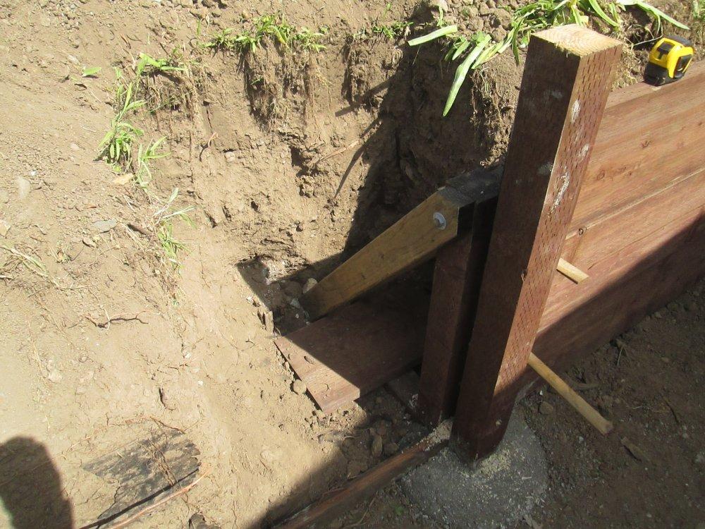 Sonoma-County-Construction-of-Wood-Deadman.JPG