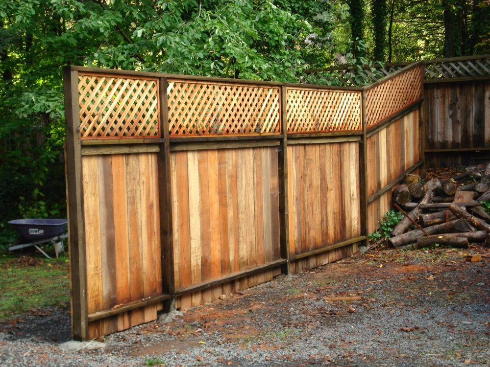 Green-Fence-by-Mike-Stokes-of-Somona-County-Forestville-Monte-Rio-Guernville.jpg